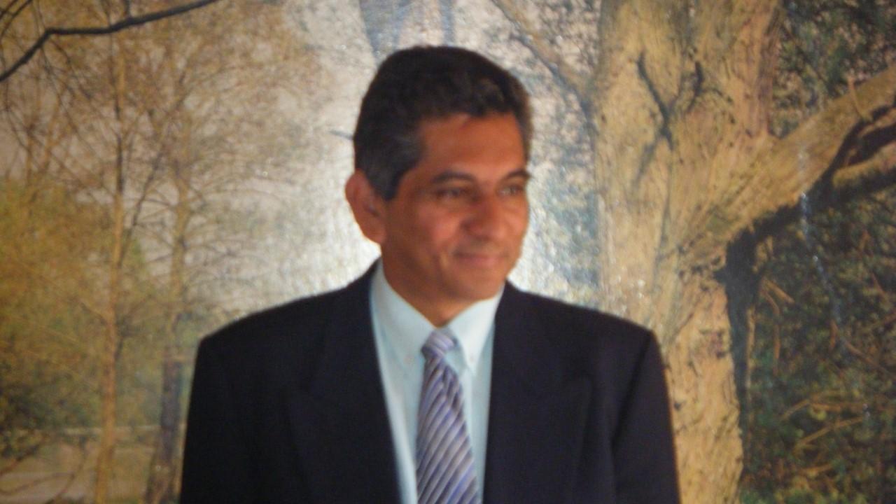 Estadístico León Darío Bello Parias